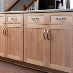 Nature Maple Kitchen with Shaker Style Full Overlay Doors and Drawer Fronts